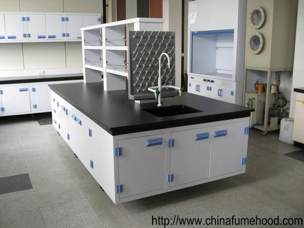 School Chemical Laboratory Island Bench 3000L Big Capacity With Reagent Shelf