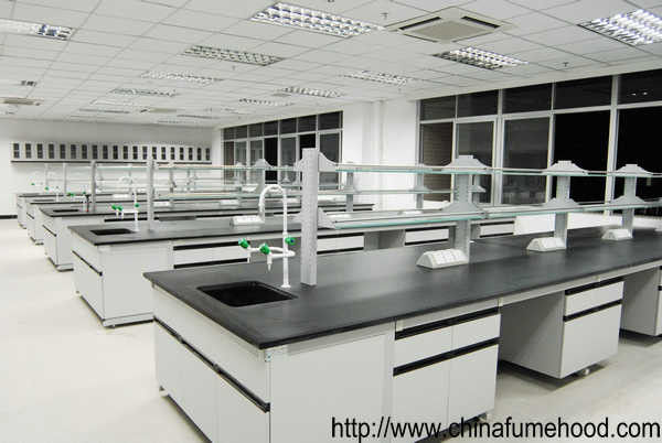 Laboratory Furniture Wall Casework Bench With Full Steel Reagent Rack